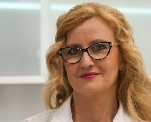 Pani doktor Justyna Grzywacz przy pracy z pacjentem