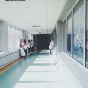 Kto może wykonywać zabiegi medycyny estetycznej