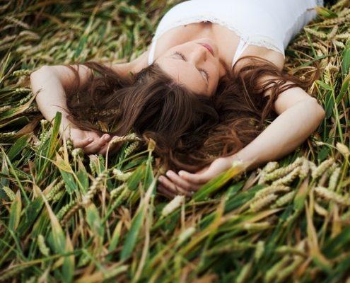 sen na plecach w ciąży